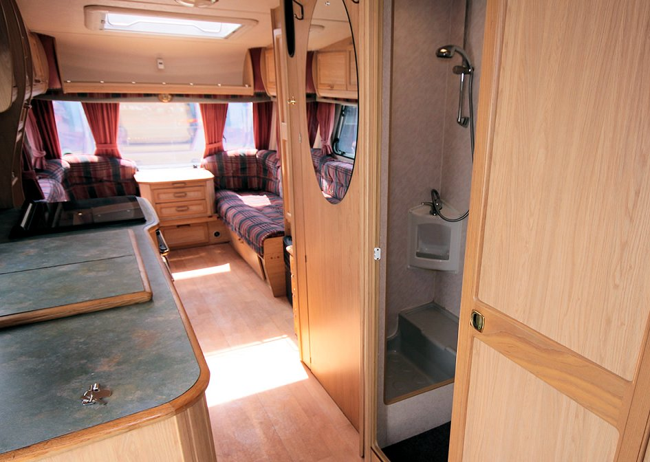 Kina Campers 123 Caravan 4/5 berth large 26 Abbey Spectrum 520