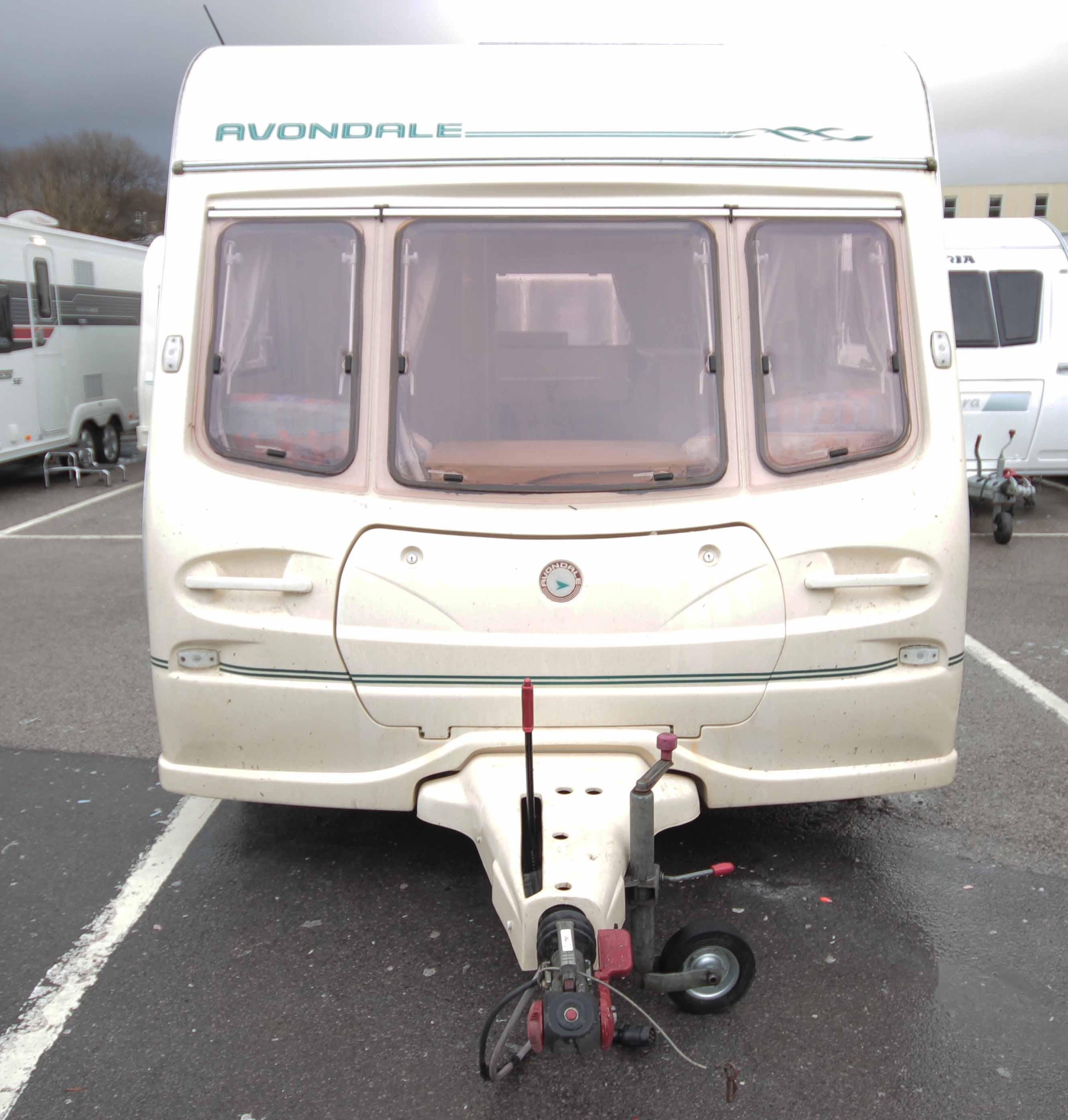 Kina Campers 11 Caravan: 4/5 berth Avondale Golden Mayfair 510