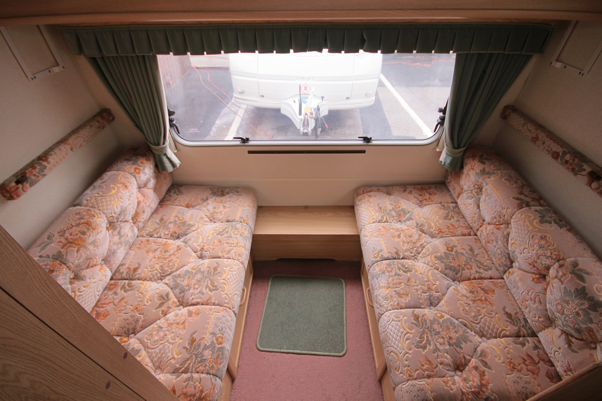 Kina Campers 042 Caravan: 4/5 berth Lunar Planet Jupiter