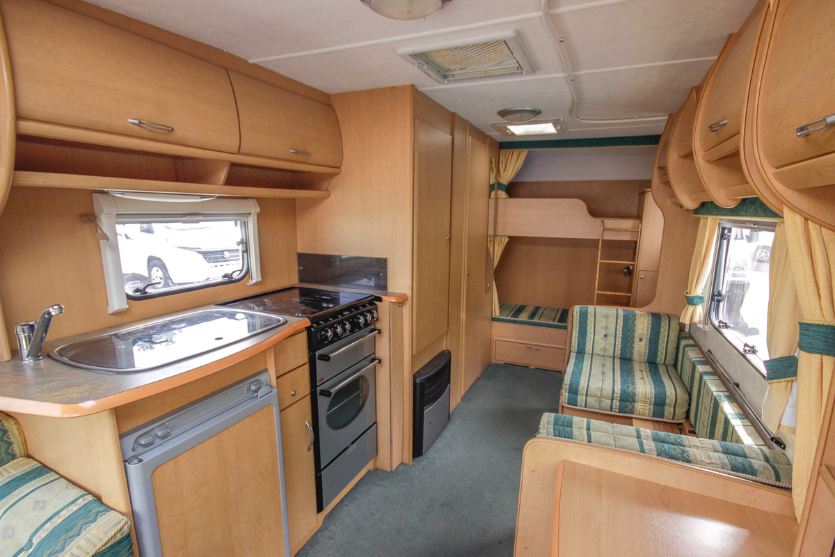 Kina Campers 10 6 Berth Abbey Expression End Bunks