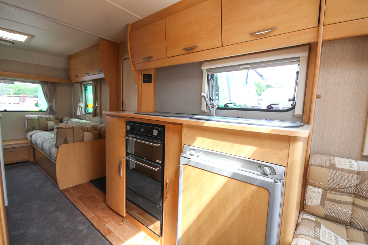 Kina Campers 10 6 berth Xplore